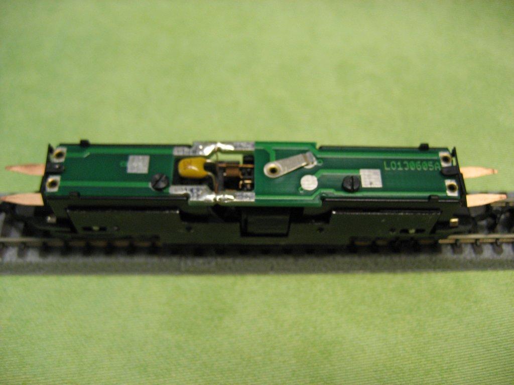 locomotora diesel Marklin BR233 Br101_003